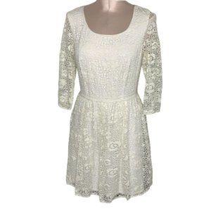 Chelsea & Violet White Lace Fit & Flair Dress - Sm